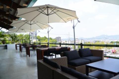 夏にぴったり、眺望抜群のテラス席オープン 和食と鶏料理のお店『川田屋』
