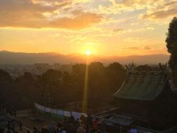 昨年公開の郡山城天守台で初の「初日の出」|300人超が晴れやかなご来光に歓声