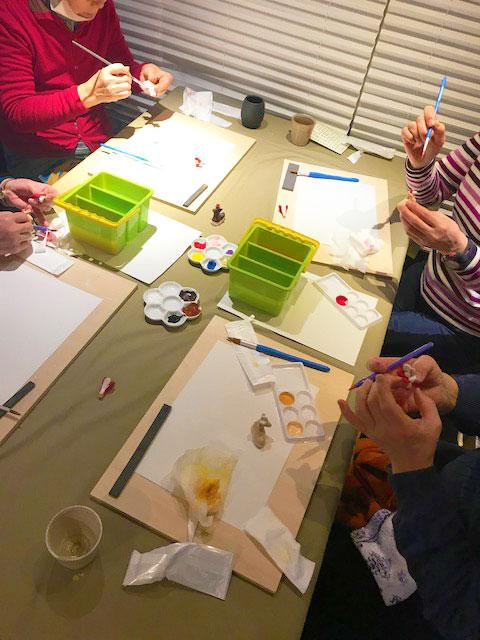 極寒の中、読者50名が参加 春日野窯の絵付け体験とお昼ごはん
