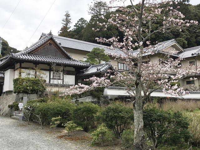 「大和で食す 春色精進料理」の会を開催 長弓寺薬師院