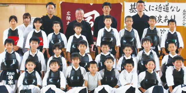 「風」のように疾く、時には優しく 白袴の剣士たち|広陵 太子会