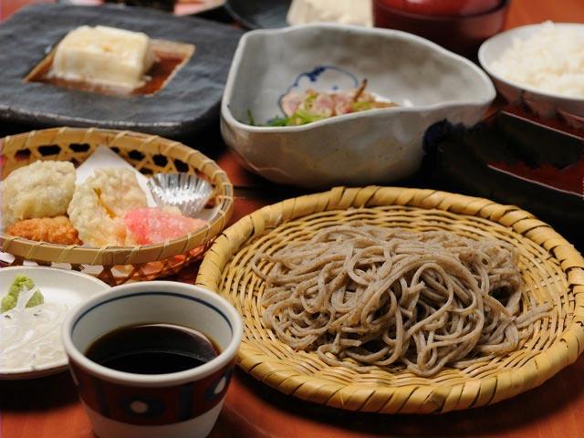 夏にぴったり、眺望抜群のテラス席オープン|和食と鶏料理のお店『川田屋』