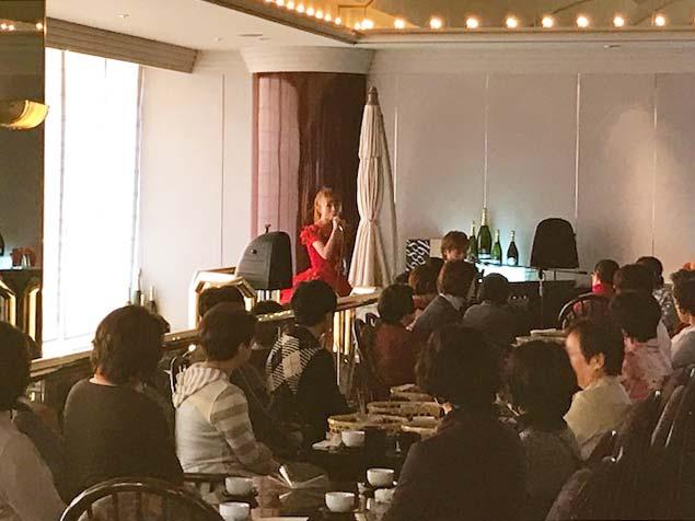 クリスマスショー&イルミナージュ見学で幻想のひととき…|ホテルニューオータニ大阪食事会
