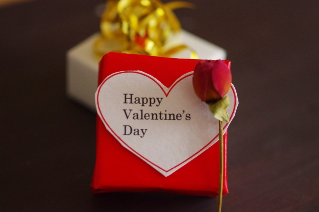「バレンタイン! チョコに添えたい一言メッセージ 文例