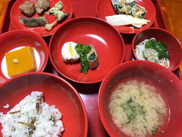 """春の息吹満載の慈光院""""石州料理""""食事会に、119名の読者が集いました"""