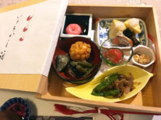 """参加者121名が""""ハッピー""""をお持ち帰り!「和菓子作りと御膳いとをかし箱」食事会"""
